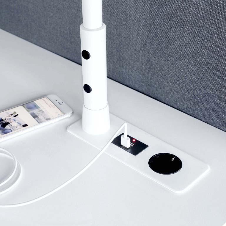 bureau avec prise intégrée TABLE TOP